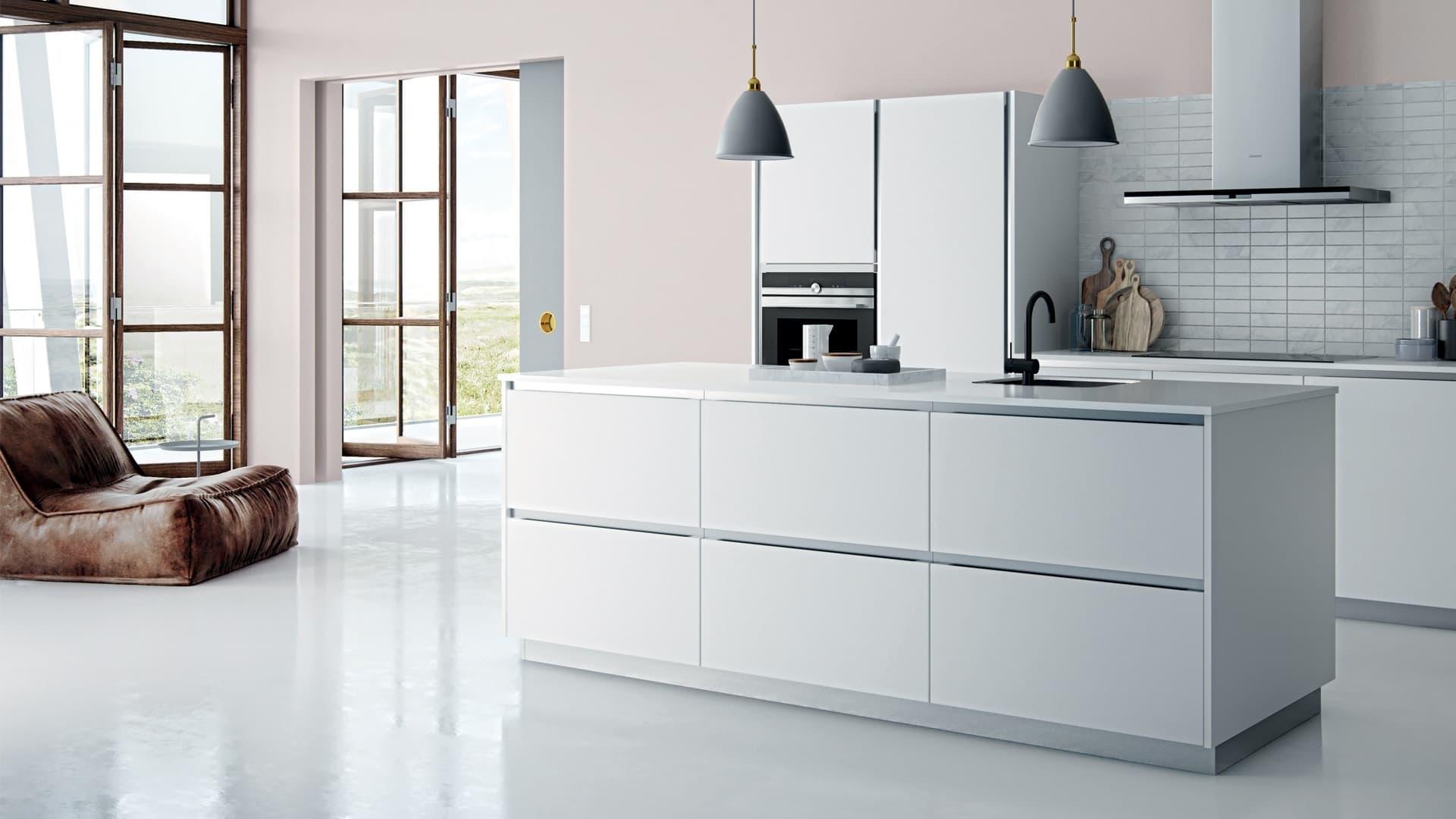 White Kitchen Tinta cover.jpg