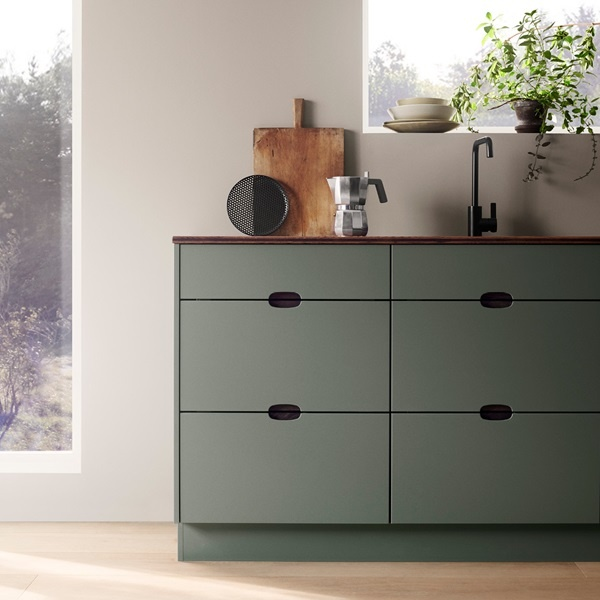 Ombra-green-kitchen-detail-drawers-handles-A1-gallery-tile-1220x1220px.jpg