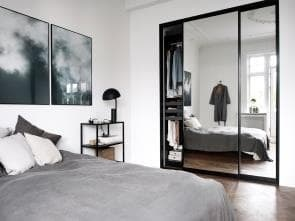 Smart Sliding Doors Wardrobe with mirror