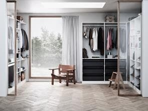 VARIO19 WHITE WALK-IN WARDROBE